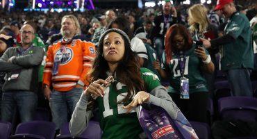 Aficionado se robó su asiento después de que los Eagles ganaran el SBLII
