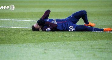 ¡DAMN! Neymar salió en camilla del PSG vs. Olympique Marseille