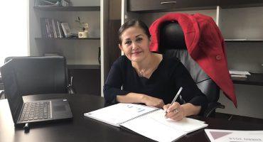 ¡PLOP! Eva Cadena pidió renuncia de funcionarios por... compartir memes