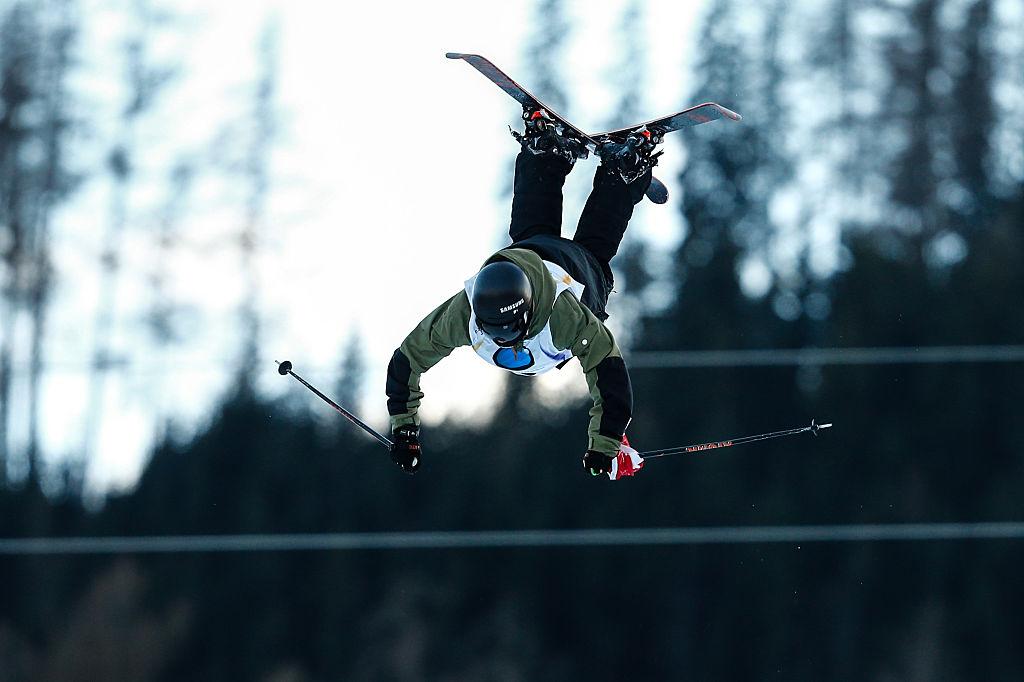Las dos alocadas disciplinas que practica el esquiador suizo Fabian Bösch