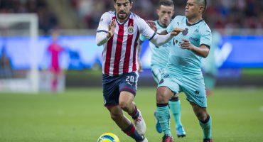 Rodolfo Pizarro se quejó del arbitraje en twitter por el recuerdito que le dejaron