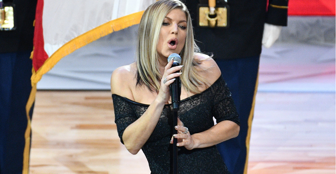 ¿Roseanne Barr eres tú? Fergie hace un epic fail al interpretar el himno nacional en la NBA All-Star Game 2018