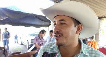 Pero es culpa de AMLO (según Ochoa Reza): en Colima, ejecutan a regidor panista