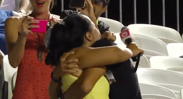 Aficionado le pide matrimonio a su novia a medio partido del Abierto de Río 2018