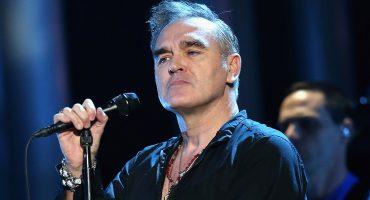 Morrissey aplicando un Morrissey: ataca a la primer ministro de Escocia y sus fans abandonan concierto