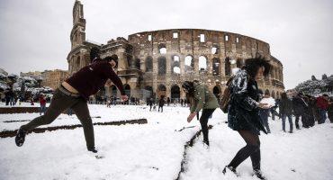 Se armó la guerrita de nieve en el Vaticano: Está nevando en Roma