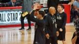 Klay Thompson soltando el brazo desde la línea de 3 Foto: Raúl Gutiérrez/Sopitas