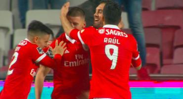 El golazo de Raúl Jiménez en la goleada del Benfica al Río Ave