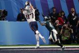 Y Gronk hizo lo que mejor sabe hacer / Getty Images