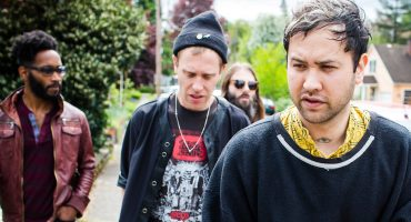 """Unknown Mortal Orchestra se inspira en Adele para """"Not in Love We're Just High"""""""