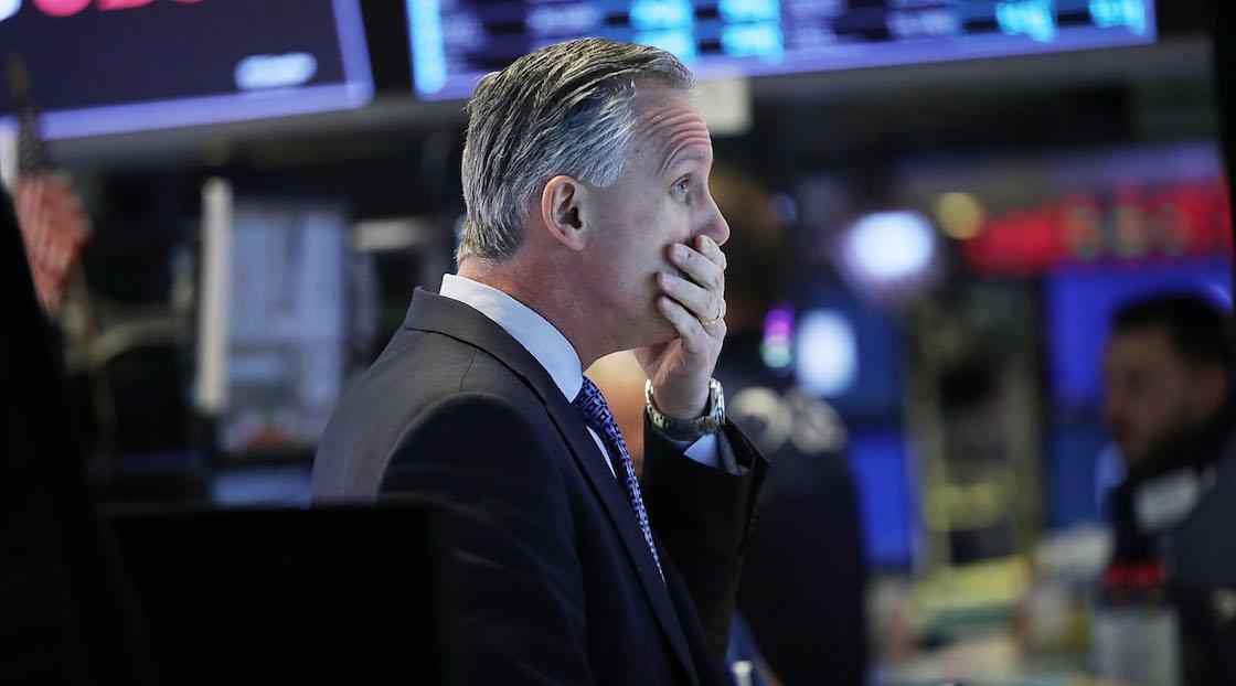 Ahí muere: Wall Street hace paro de emergencia ante desplome del mercado