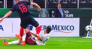 ¡Alerta en el Tri! Néstor Araujo sufrió lesión ante Croacia