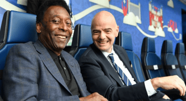 Pelé no viajará a Rusia por recomendación médica