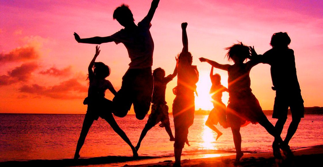 10 canciones para armar tu Acapulco en la azotea