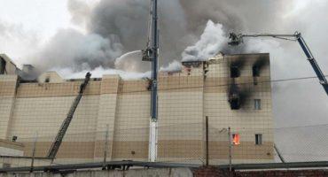Un incendio en un centro comercial de Siberia deja 37 muertos