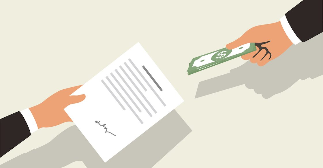El sello de la casa: Gobierno otorgó 70% de contratos sin licitación durante gestión de EPN