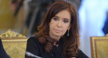 Kirchner irá a juicio en Argentina por encubrir un ataque terrorista