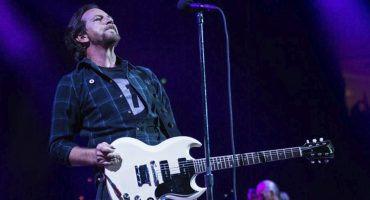 Eddie Vedder ofrece una noche de covers a fans de Brasil
