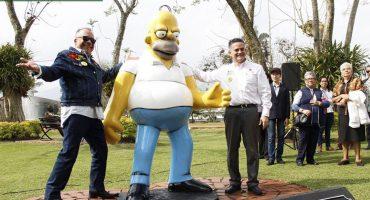 Duh! Edil de Orizaba inauguró una estatua de Homero Simpson y fue un fail total