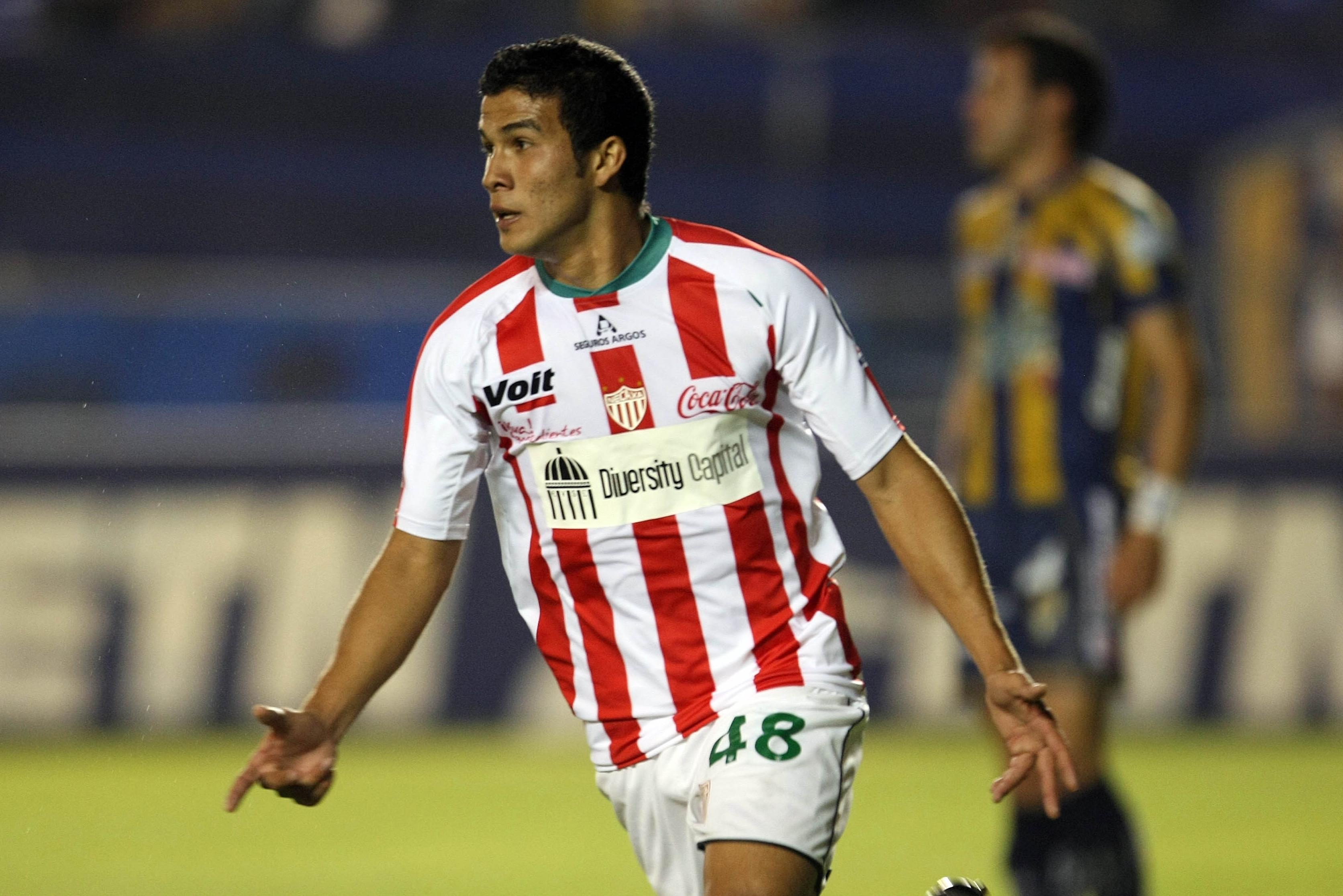 Ezequiel-Orozco-Necaxa-Futbol-Clausura-2009