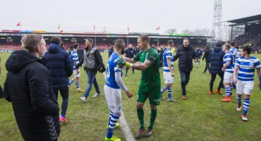 Aficionados invadieron el campo y atacaron a jugadores en la segunda división holandesa