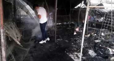 Se incendia Mercado de Tacuba y el fuego consume 40 puestos
