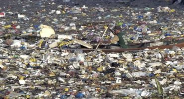 WTF?! En el Océano Pacífico flota una isla hecha de 87 mil toneladas de basura