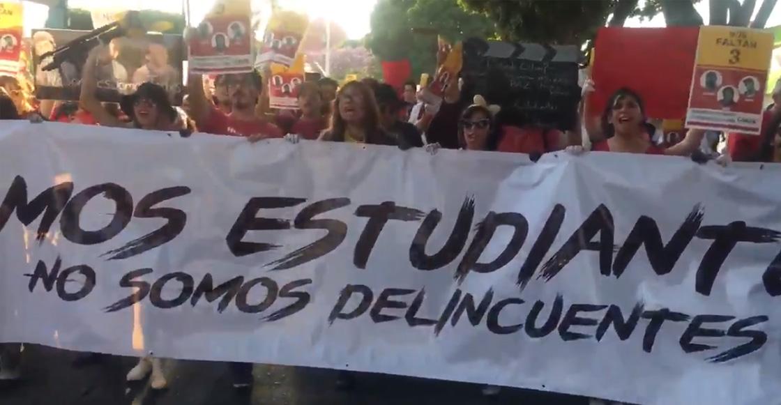 No somos delincuentes: Jóvenes marchan por estudiantes desaparecidos en Jalisco