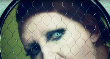 Marilyn Manson estrena video con Courtney Love para 'Tattooed in Reverse'