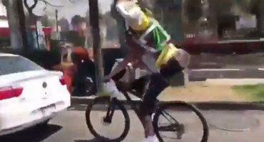 La historia detrás del meme: San Juditas en la bicicleta