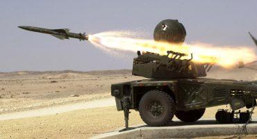 ¿Un éxito o un espectacular fail? La extraña puntería de los misiles de Arabia Saudita