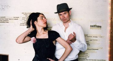 "PJ Harvey está de regreso con su colaboración junto a John Parish para ""Sorry For Your Loss"""