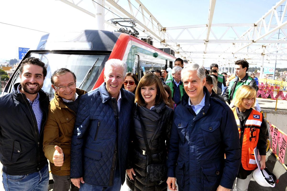 Ruiz Esparza realiza Recorrido por obras del Tren Interurbano México-Toluca