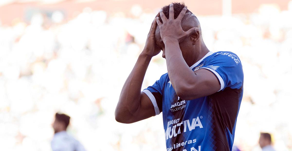 Candelo falla frente a Santos