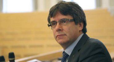 Carles Puigdemont queda en libertad bajo fianza 'por lo mientras'