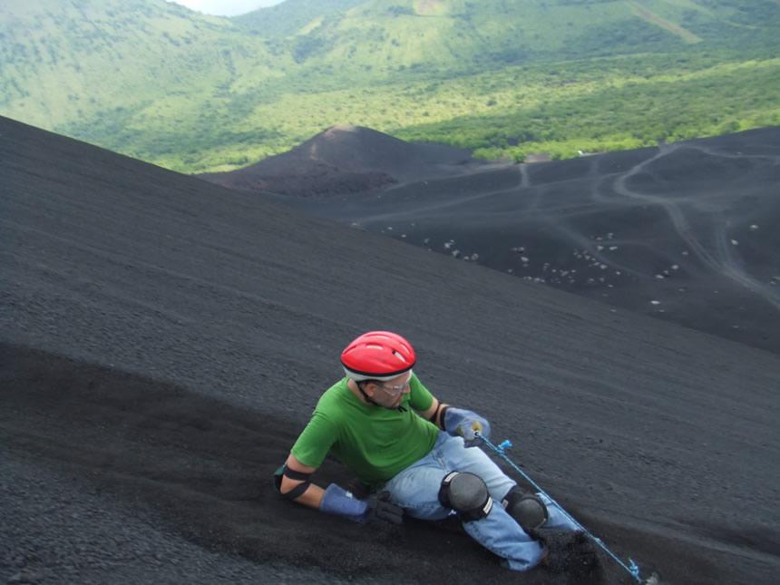 esquí en cerro negro, nicaragua