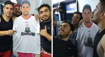 ¡Gracias Mexicas! 'Chuy' Corona sí pudo 'levantar un trofeo' en el Estadio Azul