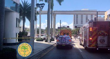 Posible robo desencadena tiroteo afuera de un supermercado en Miami