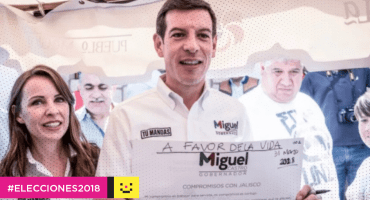 Candidato del PRI a gobierno de Jalisco oculta logo del partido en campaña...