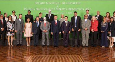 ¡Por fin se dignó! Peña Nieto entregó PND casi medio año después