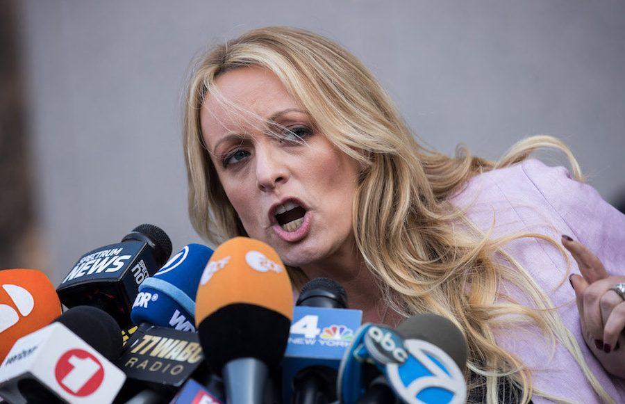 Stormy Daniels demanda a Trump por difamación