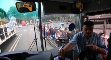 Caos y largas filas en el estreno del transporte complementario a Santa Fe