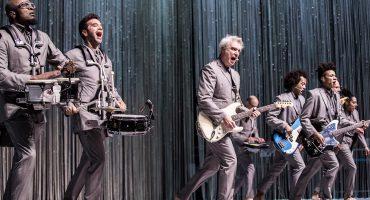 David Byrne creo su propia versión del paraíso en el Teatro Metropólitan