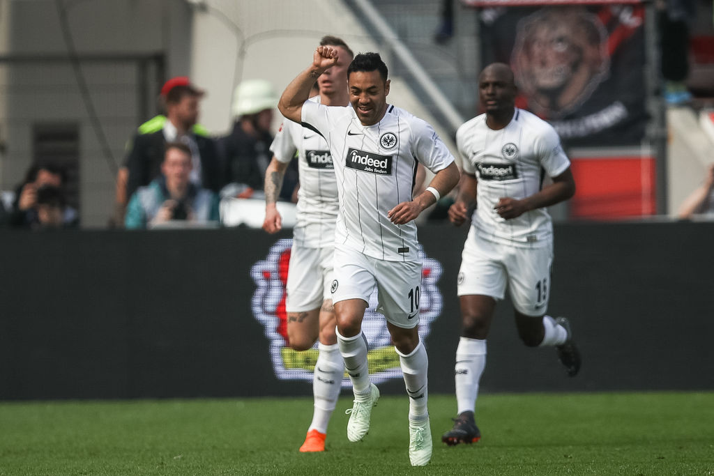 ¡Así se hace! Marco Fabian regresó al camino del gol contra el Bayer Leverkusen