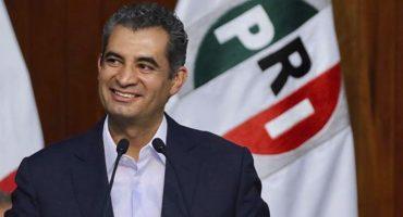 ¿Otra vez tú? Enrique Ochoa Reza le pone ropita con lema electoral a su bebé y lo presume en redes sociales