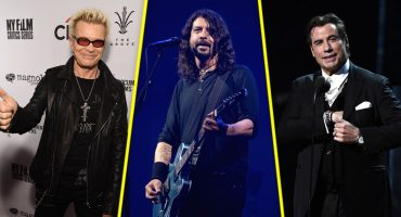 Staying alive while I'm dancing with myself: John Travolta y Billy Idol cantan con Foo Fighters