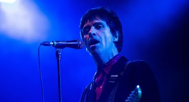 Johnny Marr de The Smiths anuncia nuevo disco 'Call The Comet' con el sencillo 'The Tracers'