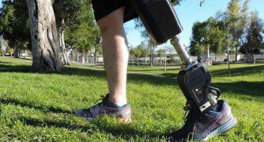 ¡Aplausos! Jóvenes mexicanos crearon prótesis de bajo costo