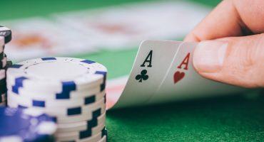 Cómo aprender a tomar las mejores decisiones, según una jugadora de Póker