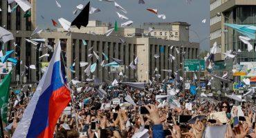 Cientos de aviones de papel en protesta contra el bloqueo ruso de Telegram